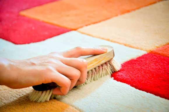 Чистка ковра народными средствами в домашних условиях