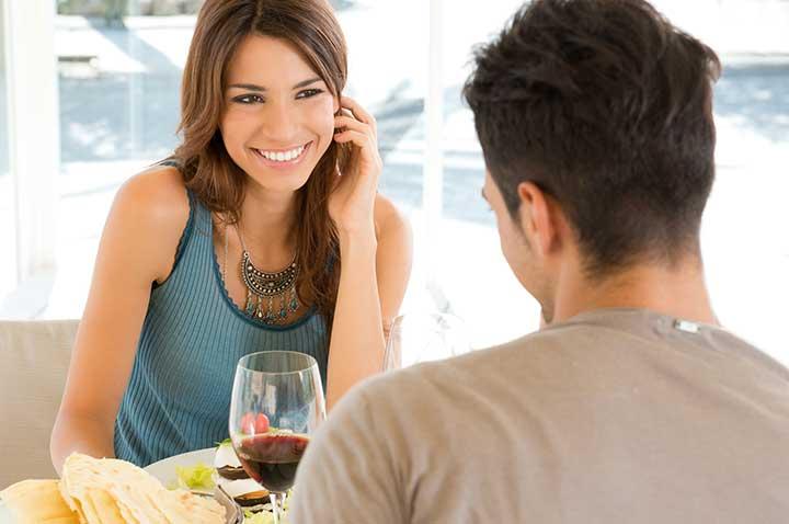 Как правильно вести себя на первом свидании